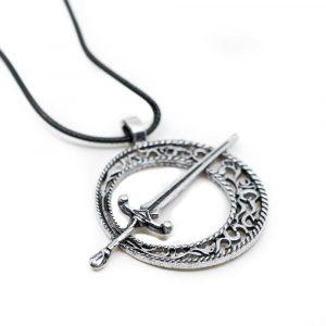Amulett mit Schwert