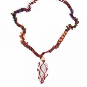 Roher Edelstein-Anhänger Bergkristall mit Chakra-Halskette